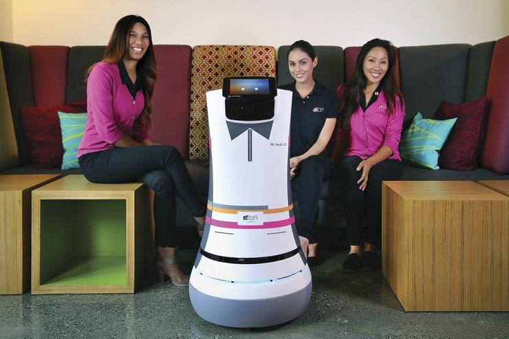 botlr-alofts-robotic-butler